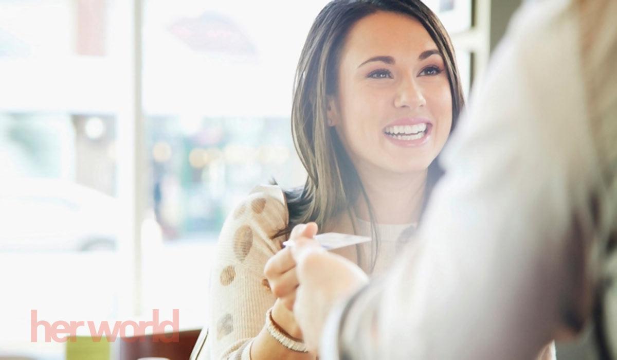 Thé tín dụng credit và debit là một phương thức thanh toán đáng tin cậy nếu biết cách sử dụng thông minh.